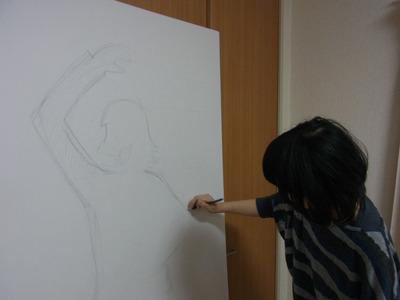 赤塚先生のイラストを参考に。しかしハマりやすいように人間の等身で描く。