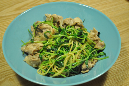 豆苗と豚肉のスパゲチー