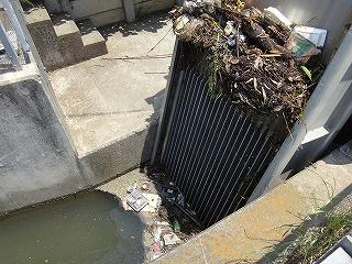 黒沼用水路の吸い込み口から入る水が…