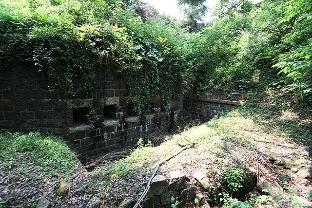 堀の反対側の角にもあった。