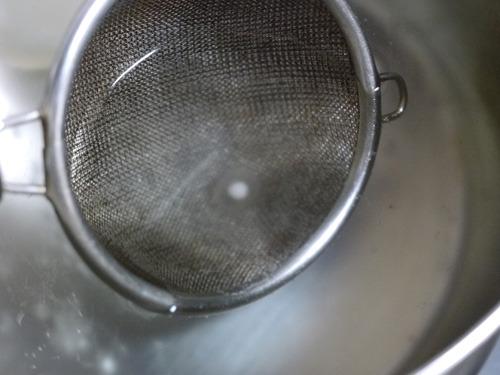 30分くらいで通常サイズは芯を残してほぼ透明に。