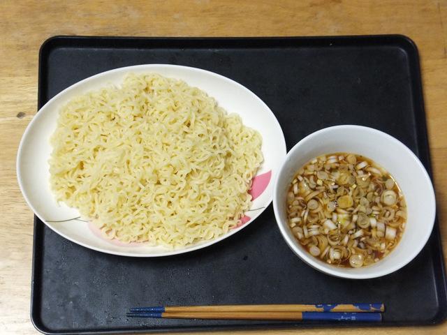 つけ麺2玉分、スープは1袋分