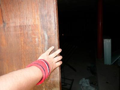 おそるおそる扉を開けてみると……
