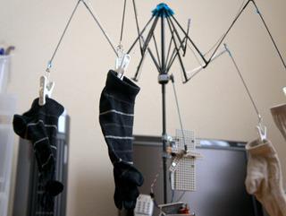 なんということでしょう。洗濯物を自動で乾かせられます。