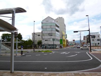 こんな駅前の西那須野駅。ザ・郊外。