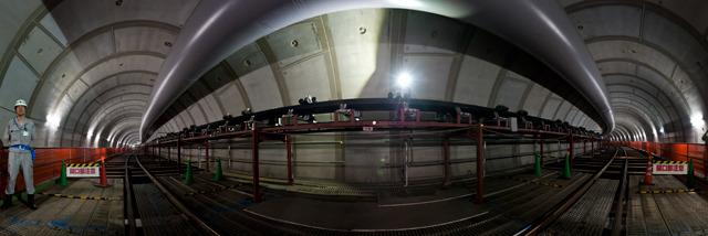 トンネルの途中で180度見渡した様子。こんなバッファぼくもほしい!