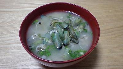 メカジャ(ミドリシャミセンガイ)の味噌汁。これがまた美味い!