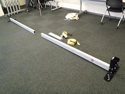 室内用のスラックライン台。長さ4m、高さ30mにラインが張れます。