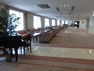 高級ホテルのロビーのようなスペースや