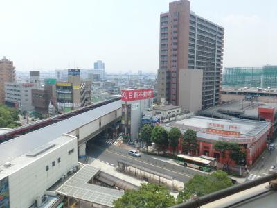 窓際の席から船堀駅前を見下ろす
