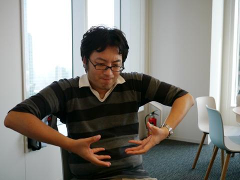 「実際にろくろを回してみてください」に応えた西村。何かが決定的に違ってきた。