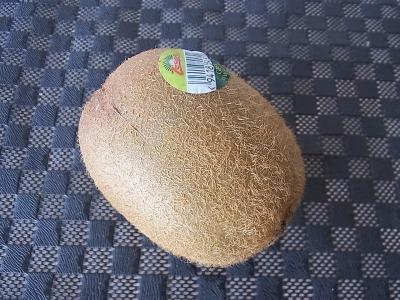 キウイ。食感がマンゴーに近そうだったので購入