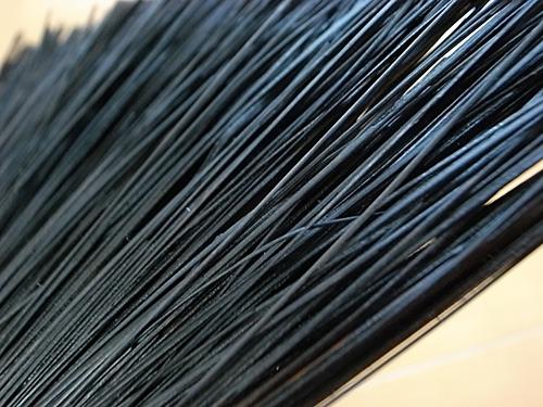 毛の一本一本まで完全に染まりきっている。
