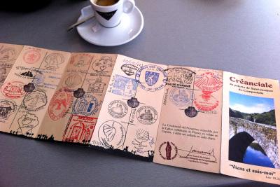 スタンプで埋まった一冊目の巡礼手帳