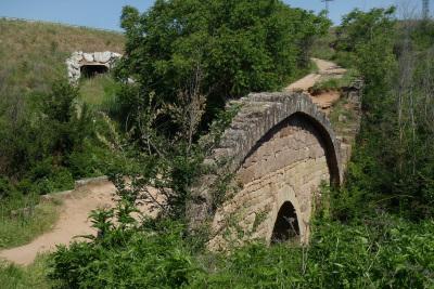 ローマ時代の橋は歯車みたいな面白い形