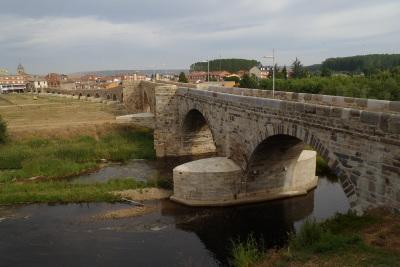 オルビゴという村には物凄い長い橋が