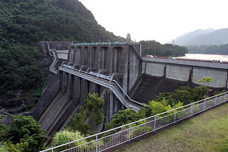 発電した水の受け皿となる城山ダム