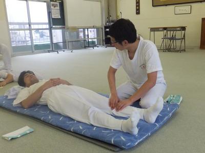 専門学校への通学記も記事に(日本で唯一の指圧専門学校に3年通った</a>)
