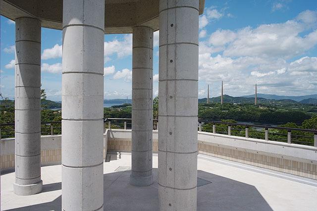 新西海橋建設と共に展望所なども新たに作られた。無線塔がじっくり鑑賞できる。