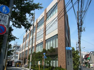2011年6月にリニューアルしたばかりの立石図書館。凄くキレイ!