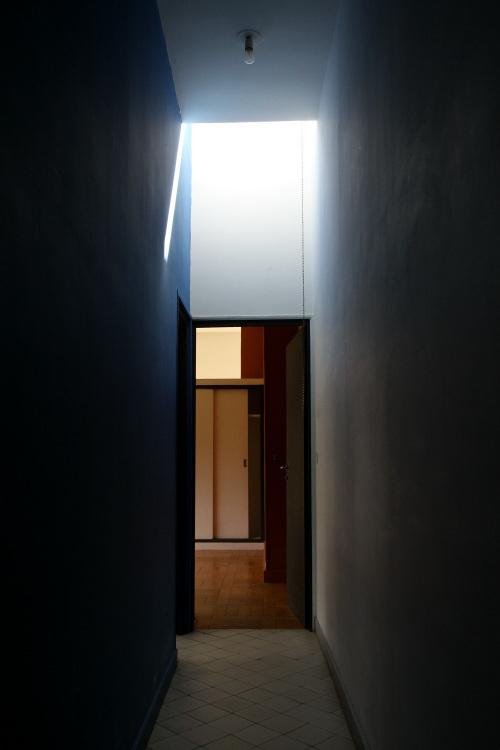 雰囲気ありすぎな廊下