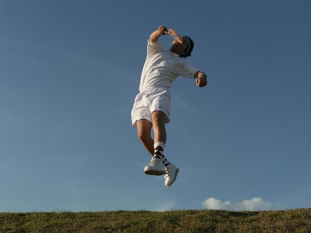 どうだ、蚊取りラケットよ。これがテニスだ!!