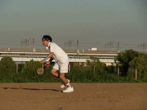 お前は、蚊取りラケットじゃない、テニスラケットなんだ!