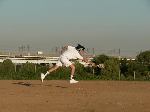 テニスに必要なこんな横っ飛びもおまえはでき……返事をしろ!!