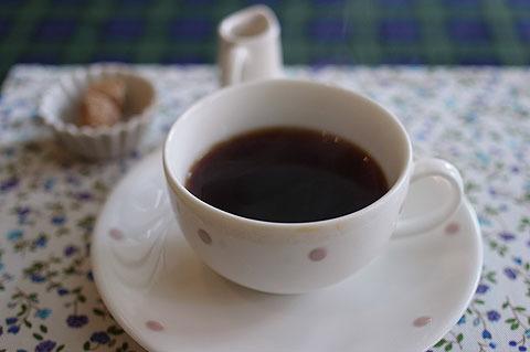 食後にはコーヒーも付く。