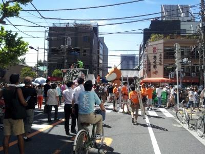 やがてパレードが始まる