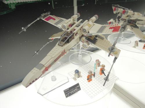 そしてレゴのスターウォーズの大きな模型を見てまた大北「うちには置く場所が……」となげく。うん、うちもだよ