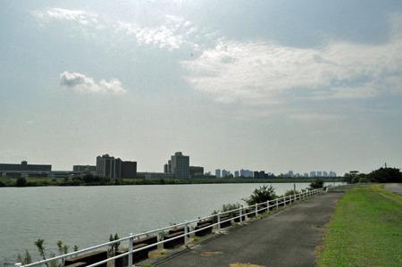 大阪の中心部からほど近い淀川。