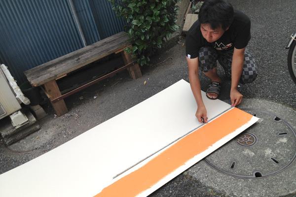 一日店長の当日にはオレンジ色の線を塗るだけでいっぱいいっぱいでしたよ