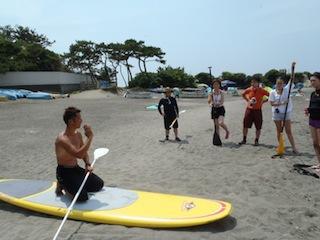 その一環としての、件の一色海岸でのスタンドアップパドル講習である。