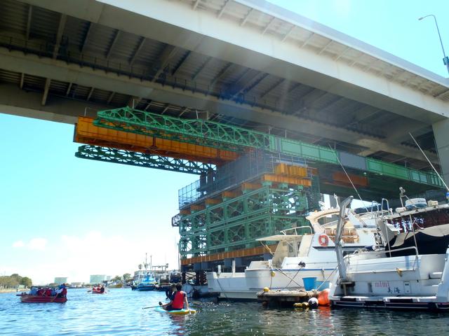 うおお、根岸高架橋、工事中ではないですか!!