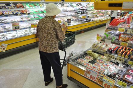おばあちゃん、そんなに食べる!?ってくらい買っていった。