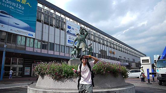 駅前の桃太郎像には大変満足しました