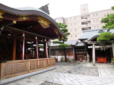 拝殿の周りも特にお祭り感はなく。