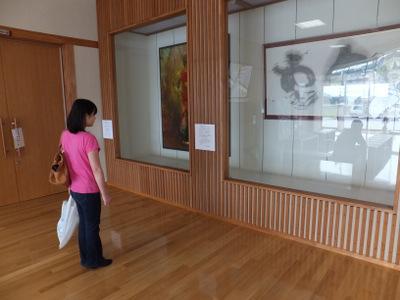 もう一つある建物には、近隣の文化人の作品が展示してある