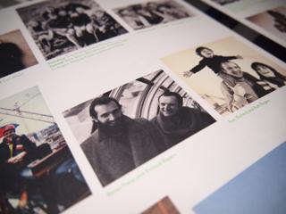 ポンピドゥー・センターのエスカレーターに乗るリチャード(右。左は共同設計者のレンズ・ピアノ氏)。ほら、うれしそうじゃん。