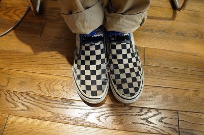 靴底の前にまず上からボロい