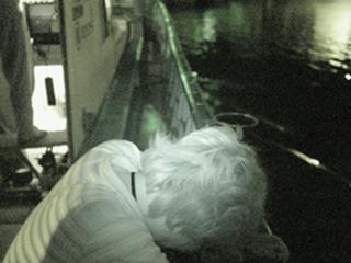 「漁船に乗って夜光虫を見よう」(2004年8月)