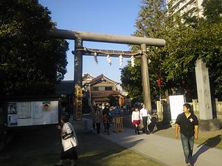 浅草神社が今回の目的の場所です。