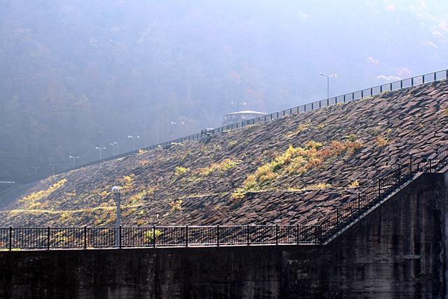 日本で初めて岩を積み上げてダムが造られた