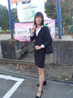 埼玉のはるな愛こと今野さん。男性です。エントリー受付会場にもこの姿で登場。完全菜食主義者。