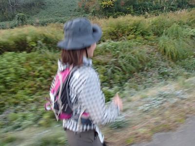 ペースは速くないが着実に距離を重ねた木川さん。昨年は53kmでリタイアでしたが今年は制限時間15分前に見事ゴールしていました。
