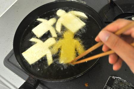豆腐と油揚げってイメージで結びつきづらい。