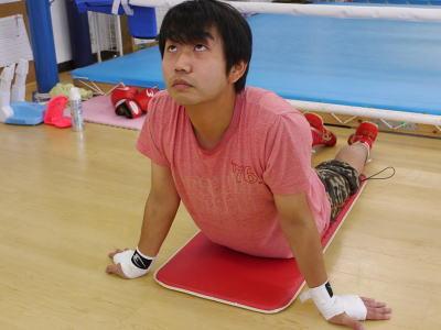 腹筋後はしっかり筋肉を伸ばすことが大事とか