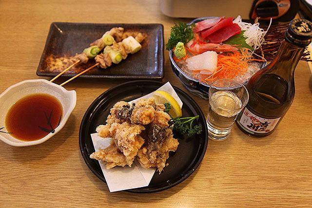 日本酒飲まずにはいられませんよ!とんでんで忘年会やりたいくらいだ。