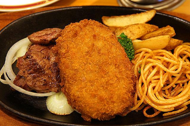 2010年の2月に食べた宮ランチ。ビーフスライスが厚めでしょう?むしろカットステーキでしょう?